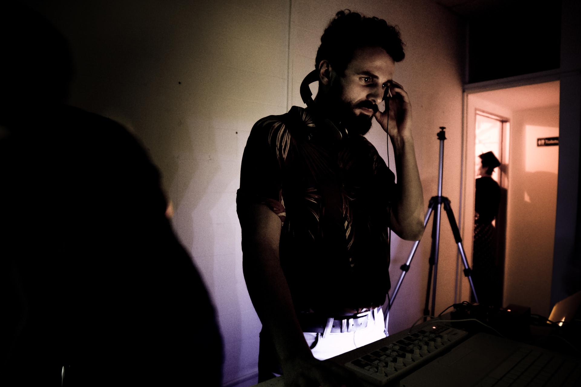 DJ EGGLEGS