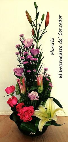 Arreglo Floral Mediano En Base De Barro N1411