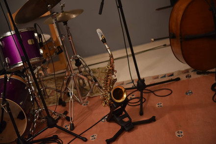 Recording of a living room concert.