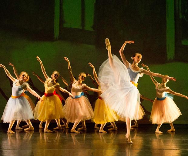 Evanston Dance Ensemble _ Body of Work.j