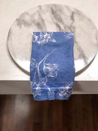 Servilleta Azul con Flores Blancas