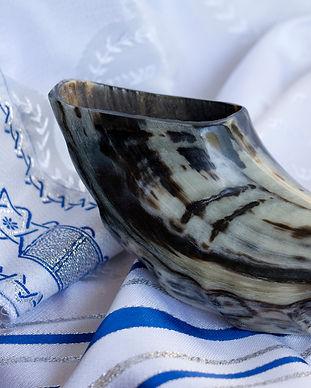 shofar-tallit-high-holidays-yom-kippur-r