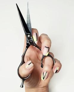 nails-min.jpg