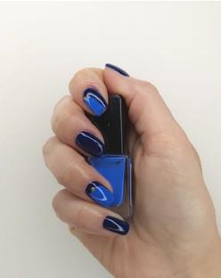 nails 2-min.jpg