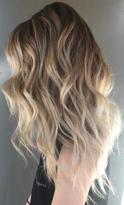 textured blonde hair
