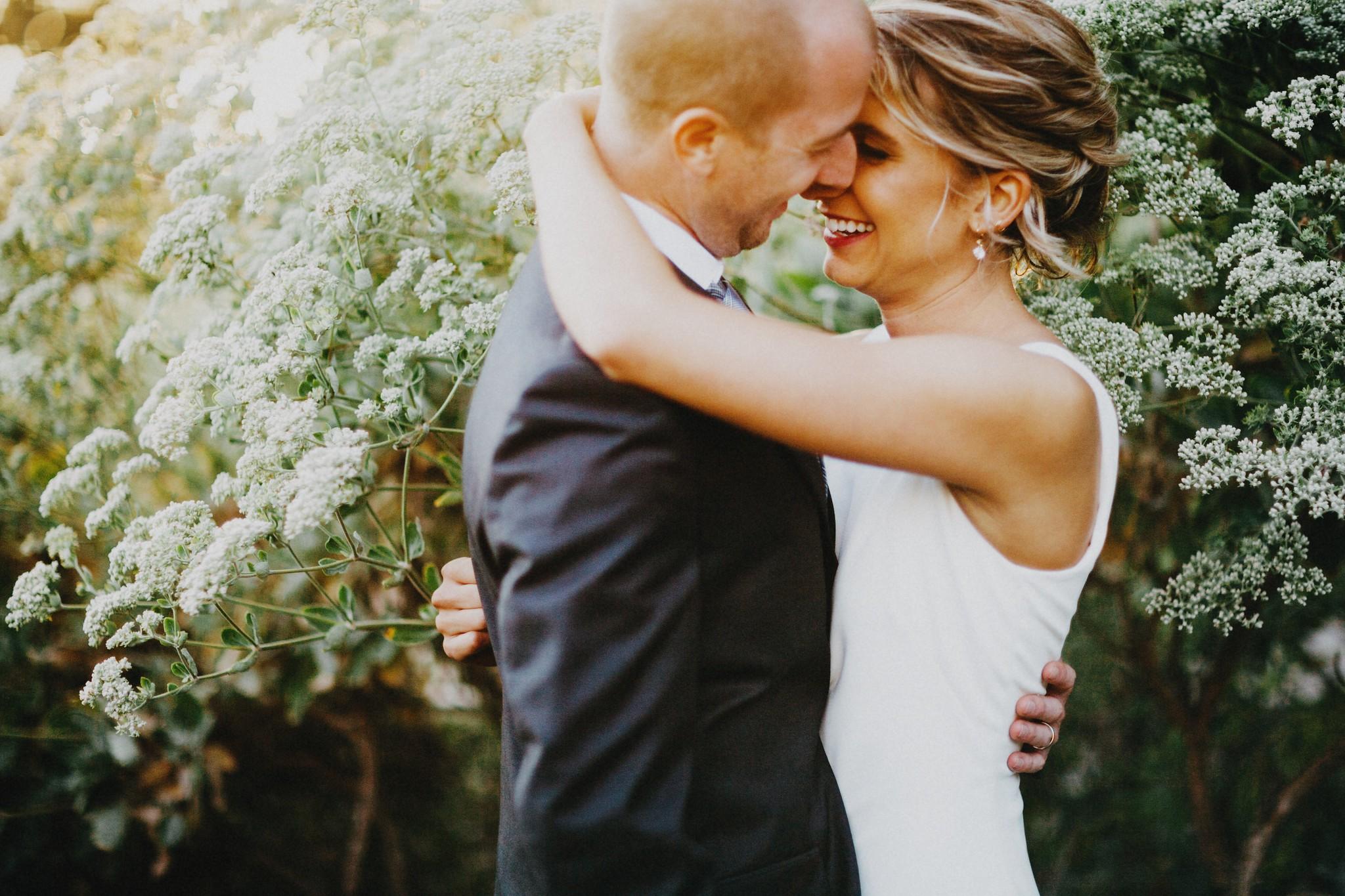 bride and groom case romantica