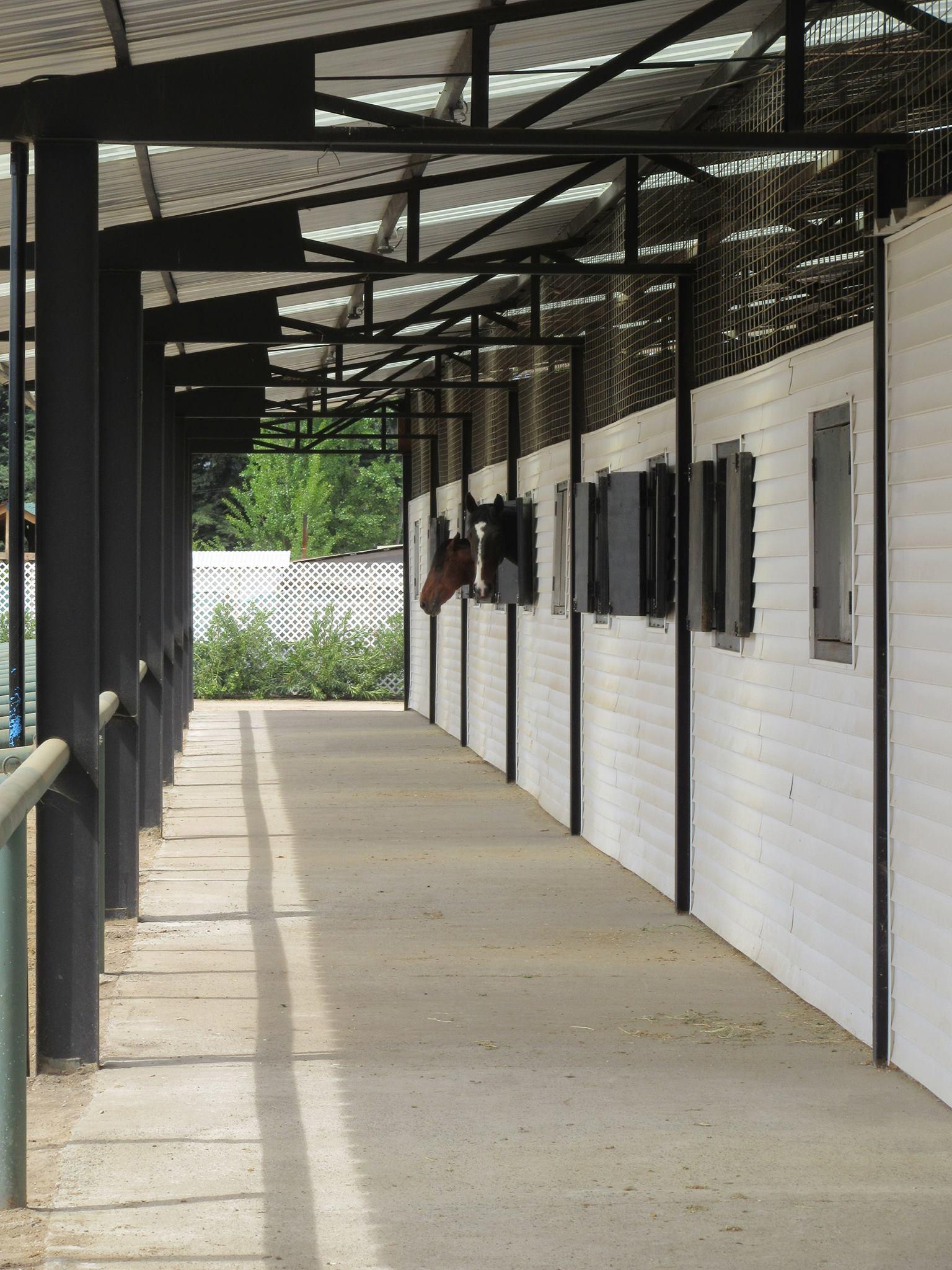 Instalaciones Pasillo exterior fot21