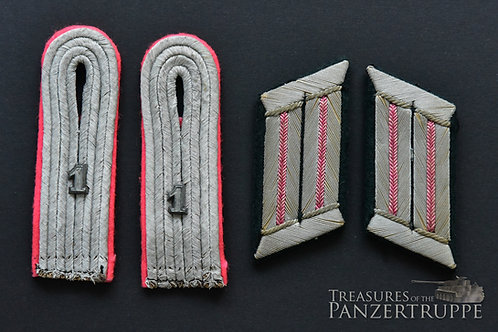 Boards and Tabs for a Leutnant in the Pz Rgt 1