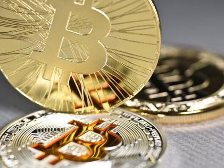 Взлет и падение биткоина как продукт информационных манипуляций