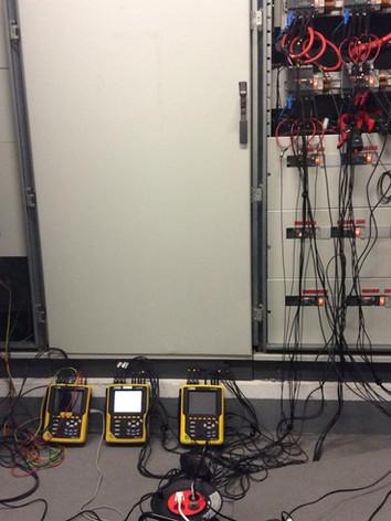 Medições eléctricas em edifícios de escritórios