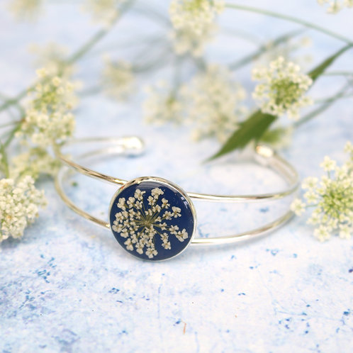 Silver bangle in Navy, with real Queen Anne's Lace flower