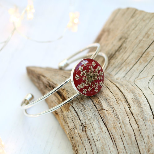 Silver bangle in red sparkle, with real Queen Anne's Lace flower