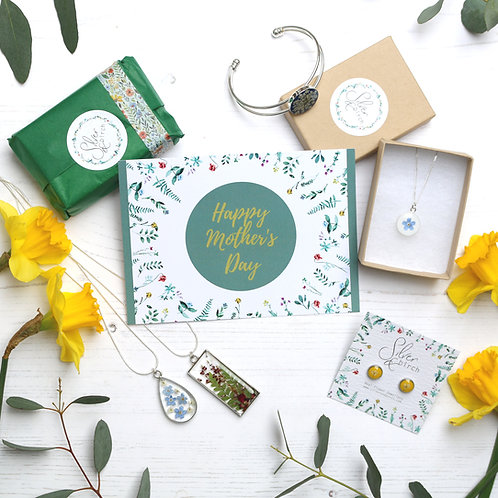 FREE Mother's Day card and gift wrapping