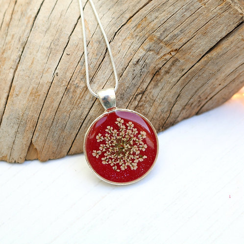Silver necklace in red sparkle, with real Queen Anne's Lace flower
