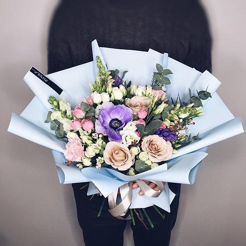 стильный букет цветов