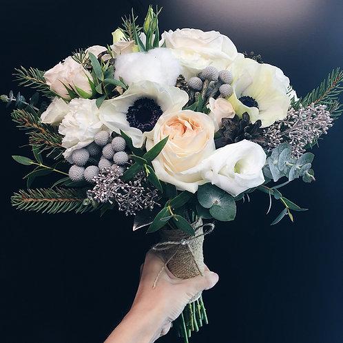 Букет невесты с шишками