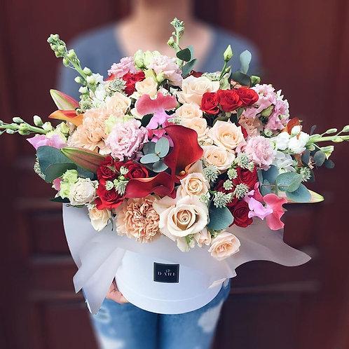 шляпная коробка цветов