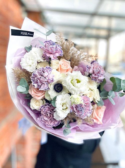 лиловый букет цветов