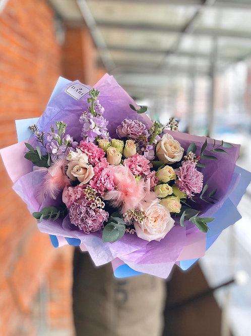 Букет цветов с маттиолой