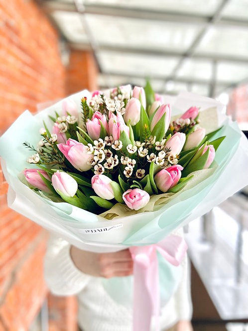 букет розовых тюльпанов
