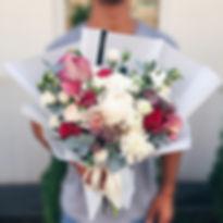 заказат цветы москва