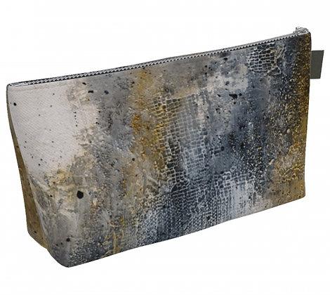 Trousse à maquillage en tissu noir, gris et or produit dérivé de la peinture abstraite de l'artiste peintre Gisèle Vivier