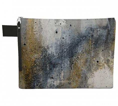 Pochette en tissu noir, gris et or, produit dérivé de la peinture abstraite de l'artiste peintre Gisèle Vivier