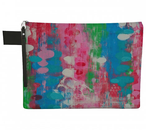 Pochette en tissu rose, turquoise et vert produit dérivé de l'oeuvre abstraite de l'artiste peintre Gisèle Vivier