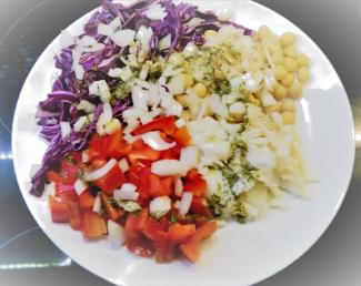 Salada de bacalhau com vinagrete de alho