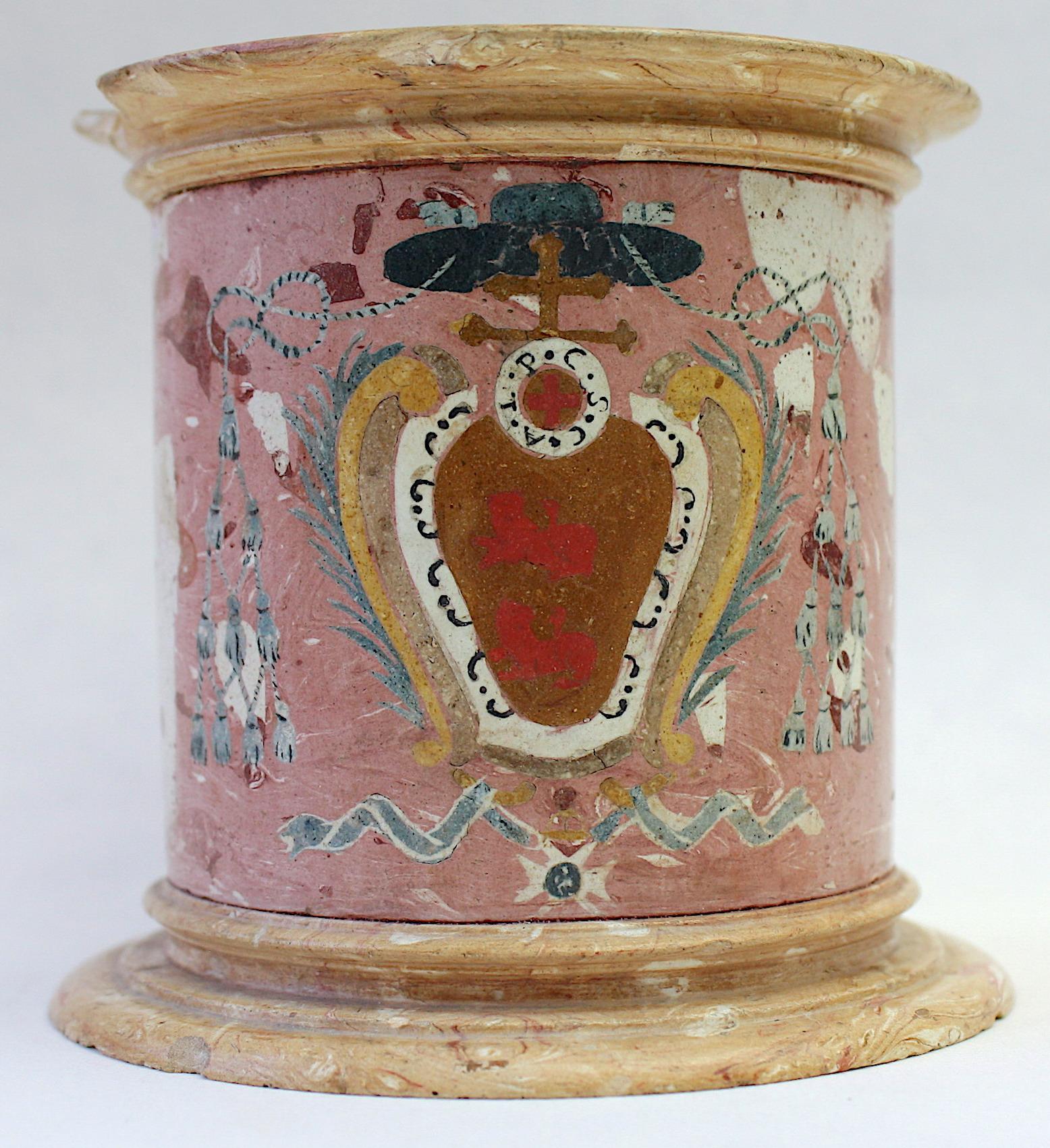 Tintero con escudo arzobispal