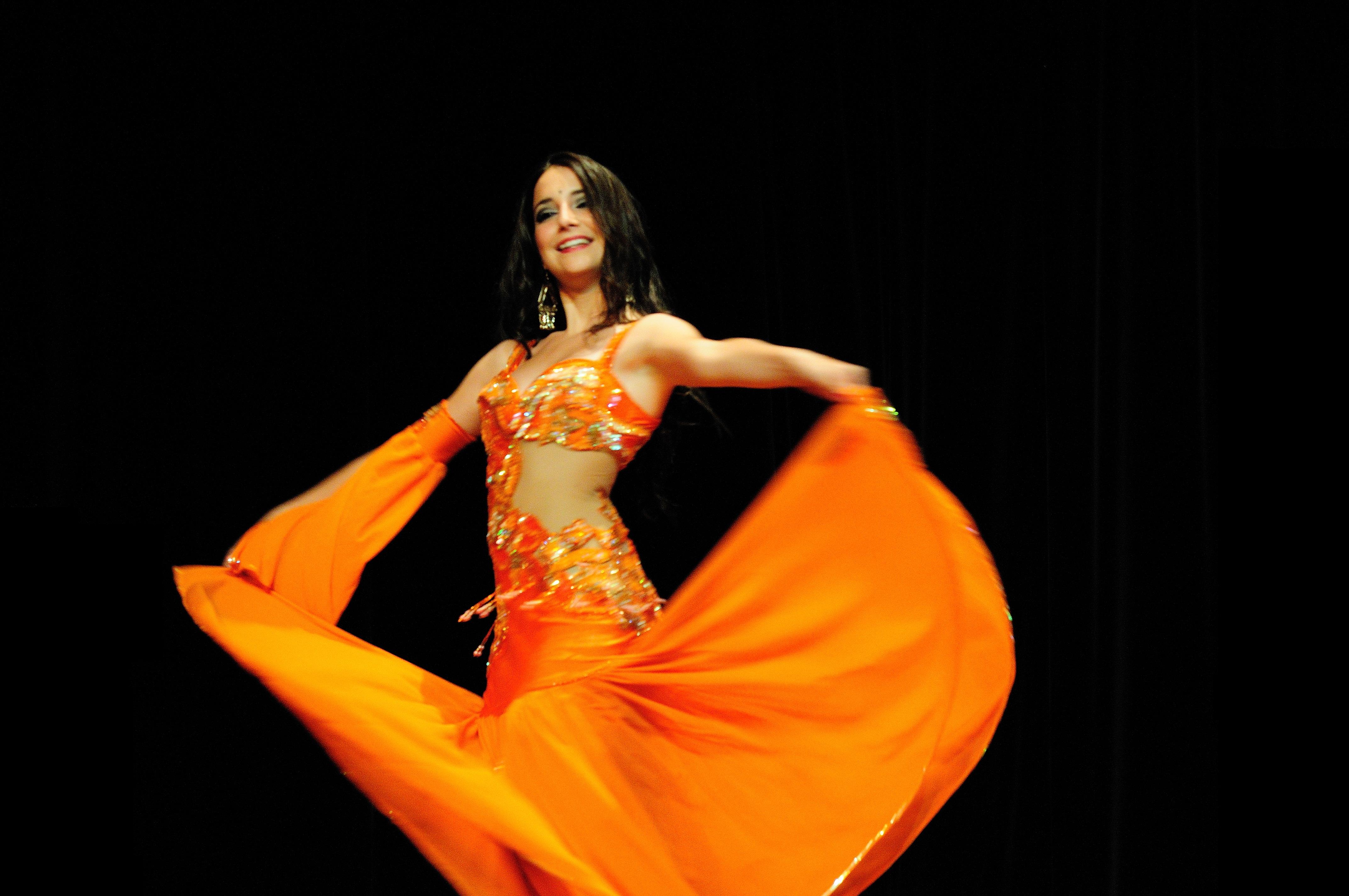 Neila El Helwa Danse Orientale Bordeaux (27).jpg