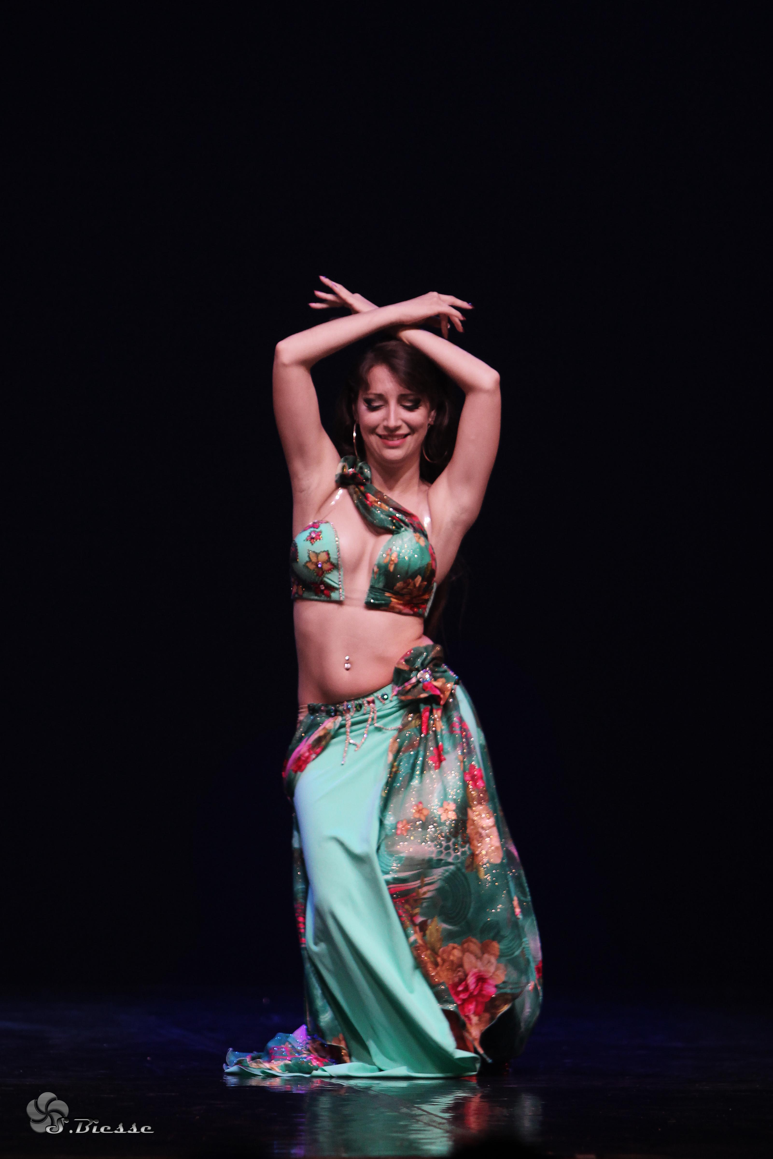 Neila El Helwa Danse Orientale Bordeaux