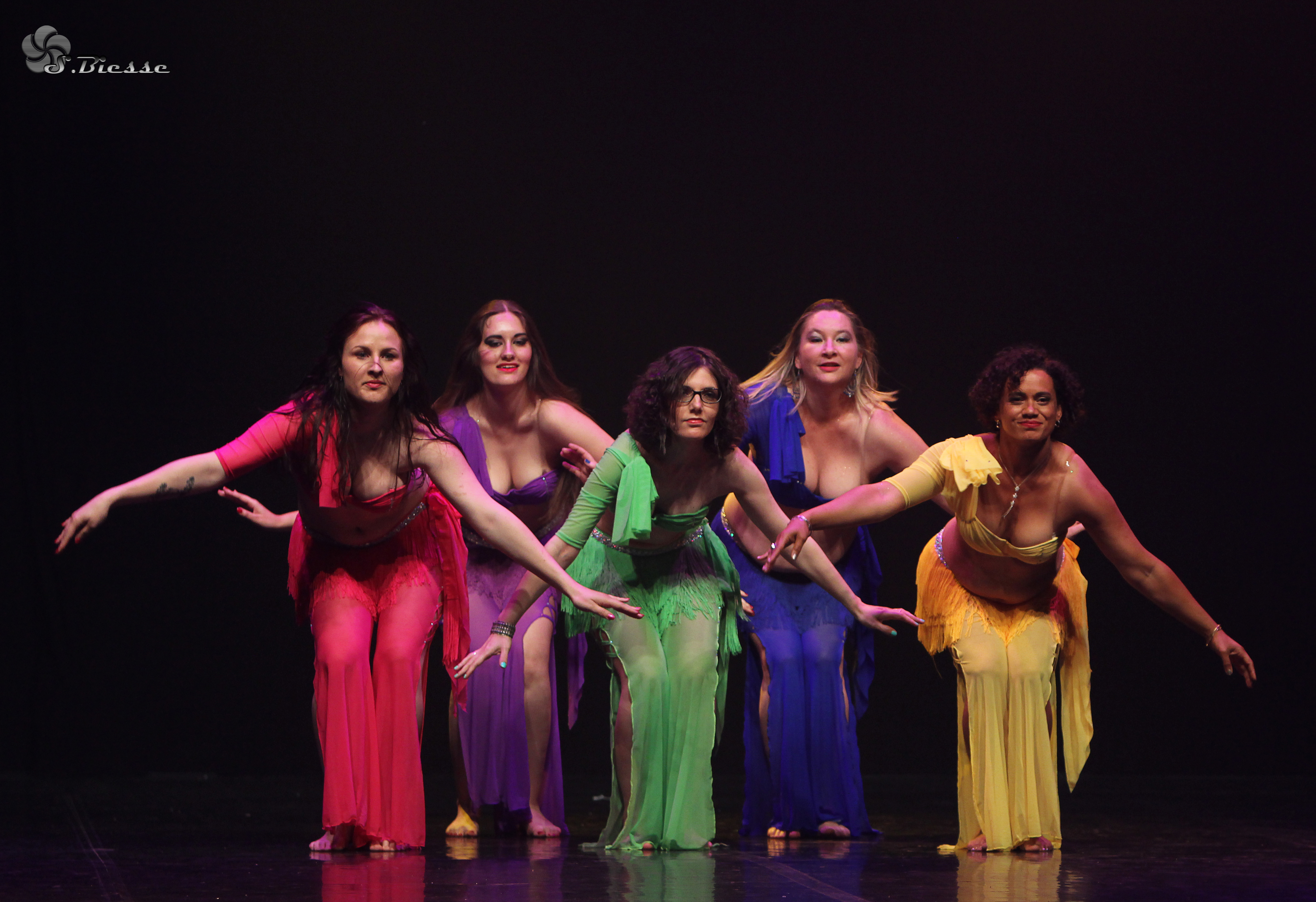 Gala élèves Neïla danse orientale bordeaux