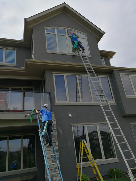 3 story window cleaning .jpg