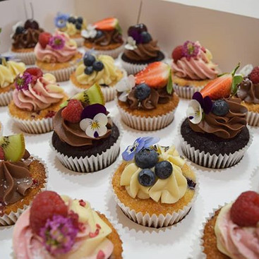 An amazing mix of cupcake flavours made