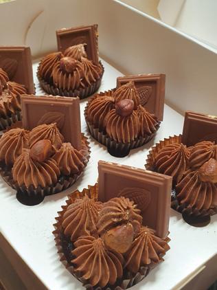 Ferrero Rocher Choc Cupcakes.jpg