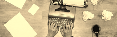 videoblocks-a-writer-typing-on-a-vintage