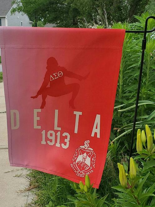Delta 1913 Garden Flag