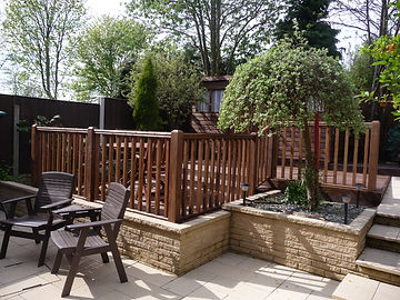 Decking with handrailing