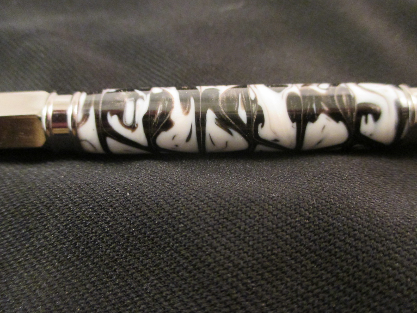 Vertex Acrylic Pen