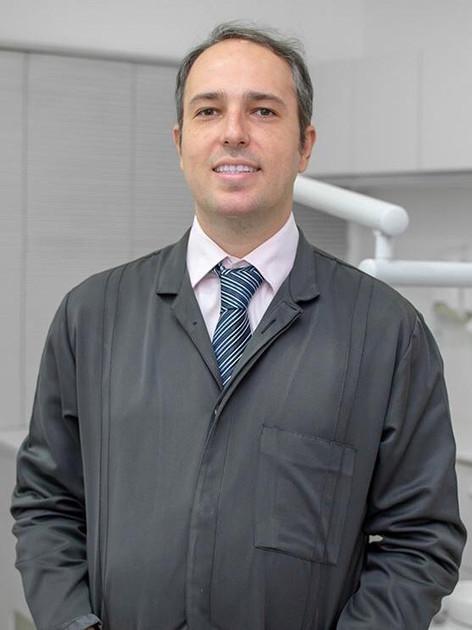 Dr. Fábio