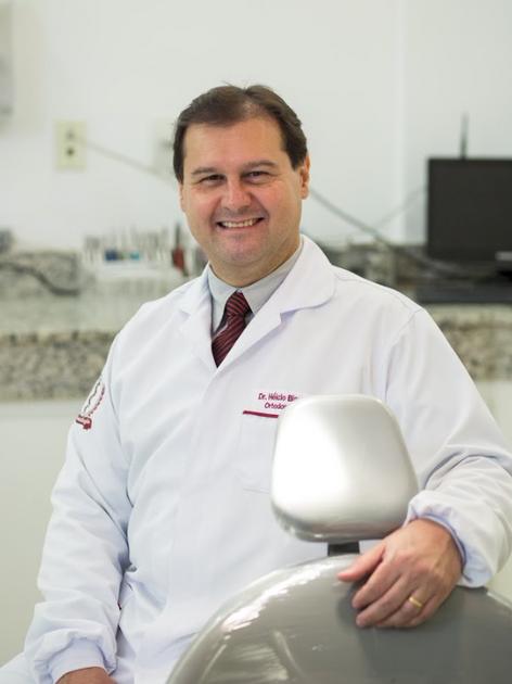 Dr. Hélcio