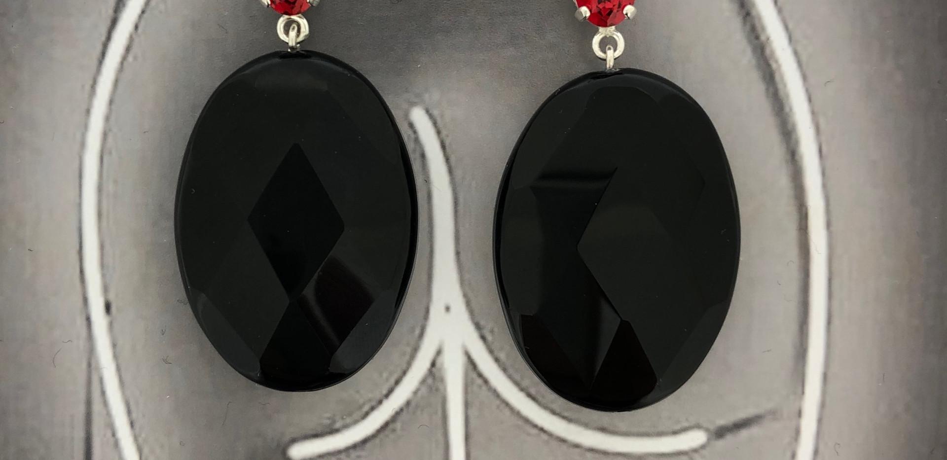 silver earhooks onyx