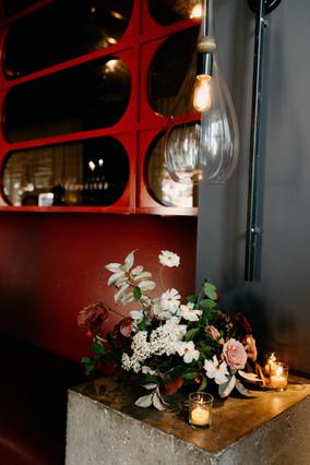 samara_floral_wedding_flowers_modern_artful_urban_elegance_chic_industrial_bridal_bouquet_couple_ceremony