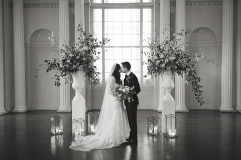 samara_floral_wedding_flowers_bride_groom_couple_bouquet_biltmore_ballrooms_beautiful_romantic_modern_romance