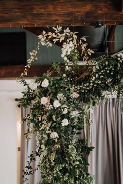 samara_floral_atlanta_wedding_design_bridesmaids_organic_natural_wedding_flowers_modern_bride_bridal_party_bouquets_ceremony_installation_hanging