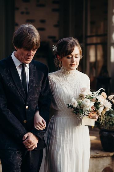 samara_floral_wedding_florist_atlanta_bride_organic_nature_wild_natural_bride_father_ceremony_aisle_bouquet