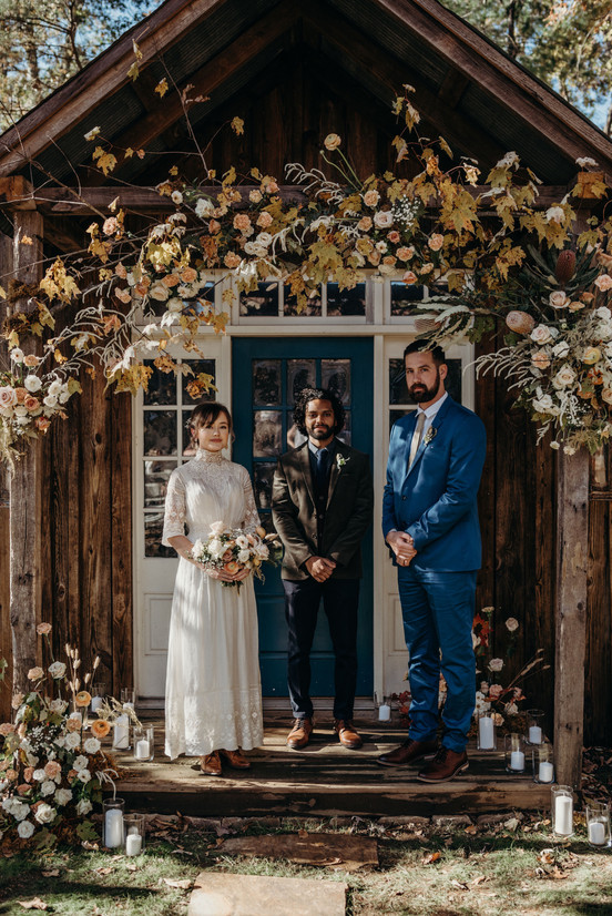 samara_floral_wedding_florist_atlanta_bride_organic_nature_wild_natural_bride_ceremony_floral_installation