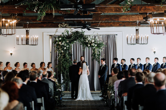 samara_floral_atlanta_wedding_design_bridesmaids_organic_natural_wedding_flowers_modern_bride_bridal_party_bouquets_ceremony_installation