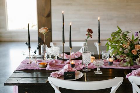 samara_floral_wedding_flowers_atlanta_georgia_purple_pink_black_tapers